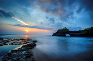 15 Lengkungan Batu Laut menakjubkan, Batu-Bolong
